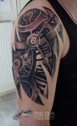 Bukaa tattoo Lublin biomechanika