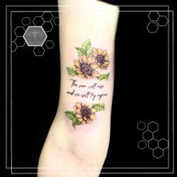 lublin tattoo, tatuaz lublin, tattoo lublin, aloe.ink, watercolor, color tattoo, tatuaż profesjonalny, tatuaż Lublin, tat, tatuaz, tatoo, sunflower, sunflowers, sunflowertattoo, bff tattoos, bff tattoo